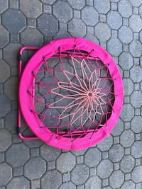 Pink bungee chair excellent condition