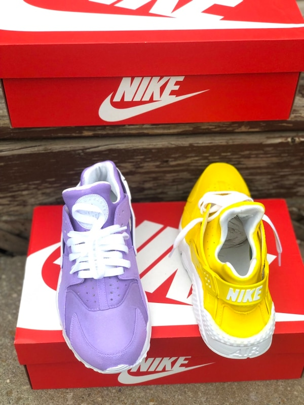 Nike Huaraches All Sizes Available  065e3124-12db-4262-8583-050525d95048