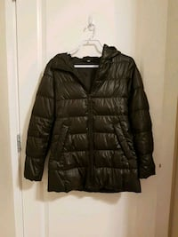 UNIQLO brown ultra light down puffer jacket Vancouver, V6P 4A9