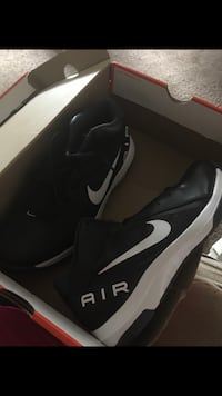 Men's brand new size 8.5  Youngstown, 44512