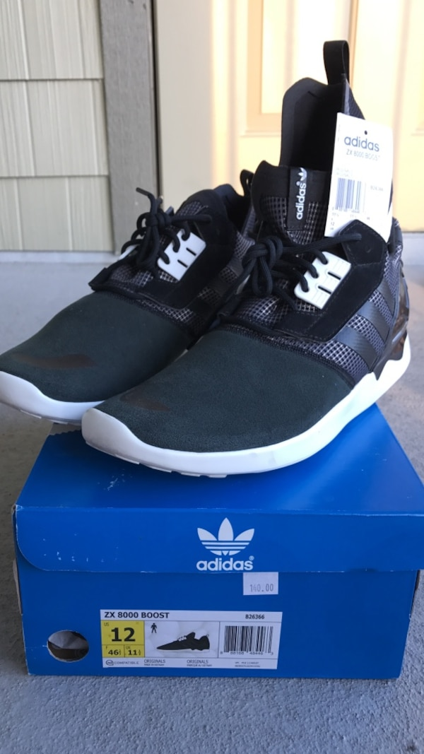 detailed look 61f77 79182 black Adidas ZK 8000 Boost on box
