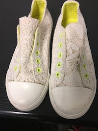 White lace slip on sneakers NEW