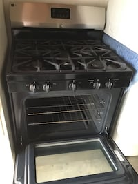 Gas stove Kenmore w/ five burners Oakland, 94621