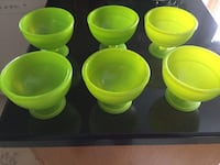Lime green freezable bowls . Excellent used condition. Keep your ice cream or fruit cold and fresh Oakville, L6H