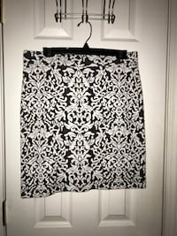 Black and white floral mini skirt Sevierville, 37862