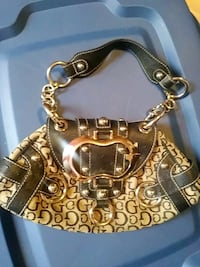 Guess purse Mississauga, L5N 6A7