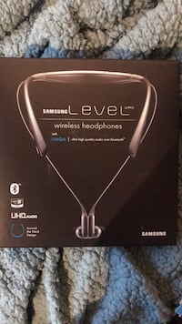 Bluetooth wireless Samsung headphone Cambridge, 02138