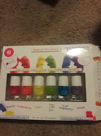 Bearly Touching nail polish package Creswell, 97426