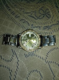 Womans daimond rimmed watch Hillside, 07205