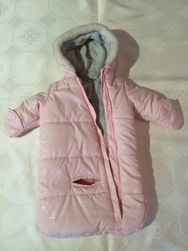 6415dd309 Used Baby Girl Carters Bunting Bag  Snow Suit Size 0-6 months for ...