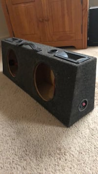 8 inch subwoofer box   Prince George, 23875