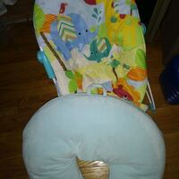 baby staff chair and brestfeeding pillow Mississauga, L5K 1E9