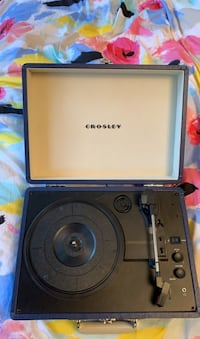 Crosley record player - bluetooth