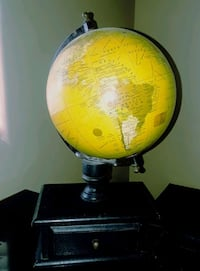 GLOBE WITH DRAWER