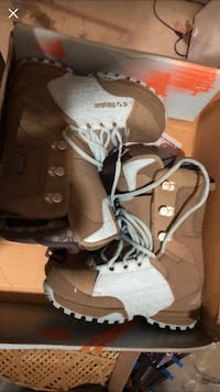 Thirty two snowboard boots size 8  Toronto, M3C
