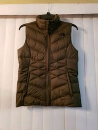 Womans The North Face puffy vest  Summerville, 29483