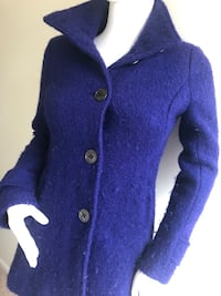 KENNETH COLE Blue Wool Coat Used, Good Condition. Size : 2P. Rockville, 20850
