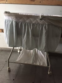 Gently used baby bassinet