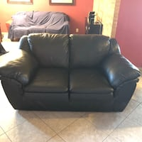 Loveseat very good condition, free deliver . Tucson, 85710