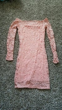 Size small, dress.  Sioux Falls, 57106