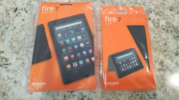Amazon fire7 32GB tablet with case