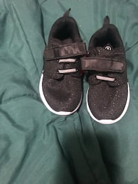 Kids shoes size 8 black and silver sparkles  West Brookfield, 01585