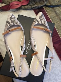 Shoes size 9 Lakeshore, N0R 1A0