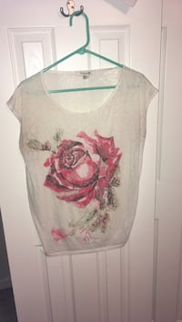 white and pink floral scoop-neck shirt Berryville, 22611