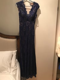 Blue lace Xscape gown - size 4 (only wore once) was  Toronto, M4M 1R6