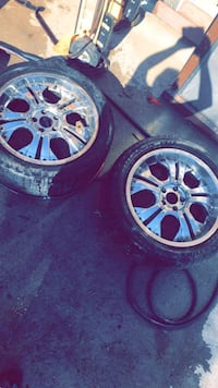 the tries dont work just selling the rim  Denver, 80239