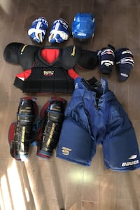 Hockey equipment adult size medium  Toronto, M8V