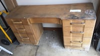 Solid oak vanity great for painting  Lawrenceville, 30043