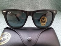 black Ray-Ban wayfarer sunglasses with case North Las Vegas, 89031