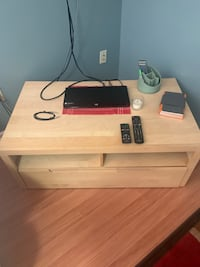 tv stand great condition  Centreville, 20120