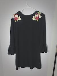 Cute floral dress  23 km