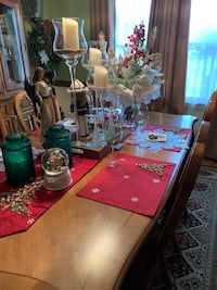 Christmas Table Runner & Table Mats  Chesapeake, 23322