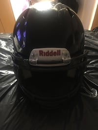 Riddell football helmet!!
