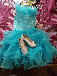 BRAND NEW. Gown size 10. Shoes size 4. Never worn Fairburn, 30213