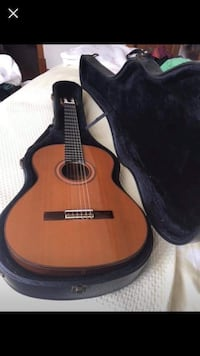 Alhambra guitar made in spain 6 strings with case Surrey, V3X
