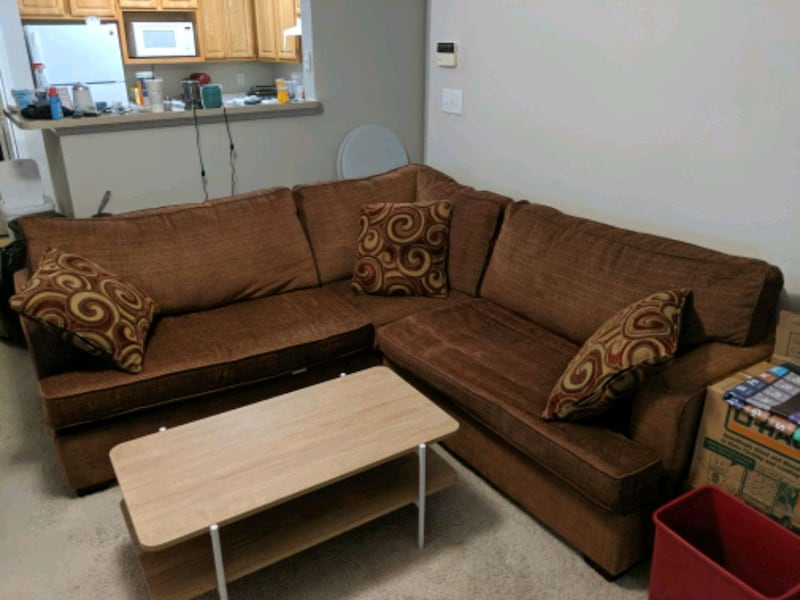 Couch and Coffee Table cd306ce6-4cde-4938-82f1-adb8f1cd898d