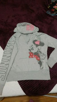 Minnie mouse Disney sweater  553 km