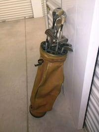 Classic Golf Clubs with Leather Golf Bag
