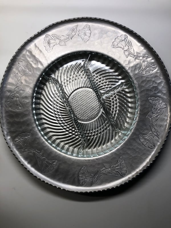 "Wrought Farberware Aluminum 16"" platter w/ glass insert 0"
