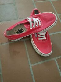 paio di sneakers Vans Authentic autentiche Gattinara, 13045