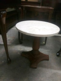 round white and brown wooden table Mobile, 36693
