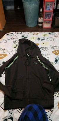 black and green zip-up hoodie Kitchener, N2B 1C5