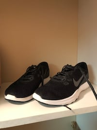 Black Nikes, worn once. In great condition. Size 7 Edmonton, T5Z