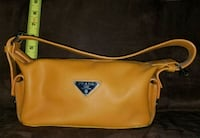 Orange handbag/purse Las Vegas, 89141