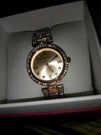 round gold-colored analog watch with link bracelet San Antonio, 78218