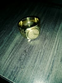 Mens 14K Gold Ring w/ Mercedes Benz Symbol